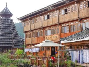 Yueyetang Dongzu Theme Inn
