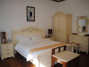 Myitkyina Plam Spring Resort Hotel