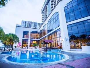 Grand Riverview Hotel