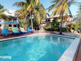 Condo #31 @ Beachside Villas