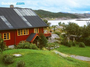 Seven-Bedroom Holiday Home in Flatanger 2