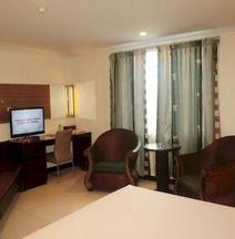 Losari Metro Hotel Makassa