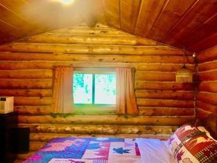 Carlo Creek Cabins