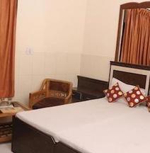 OYO 2530 Surya Palace