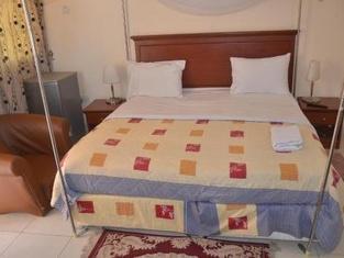 Yam Hotel