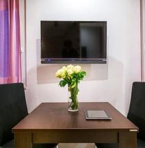 Split Oasis Studio Apartments