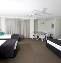 Darcy Arms Hotel Motel
