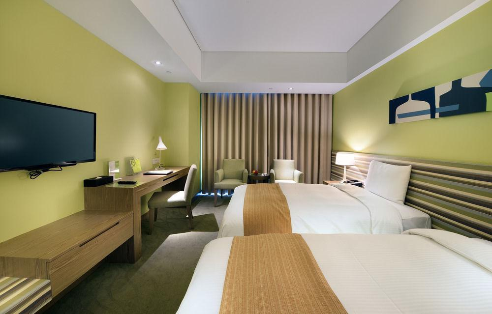 Park City Hotel Luzhou Taipei