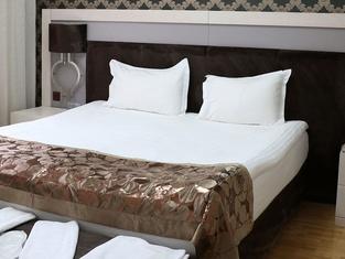 Snowdora Hotels & Villas
