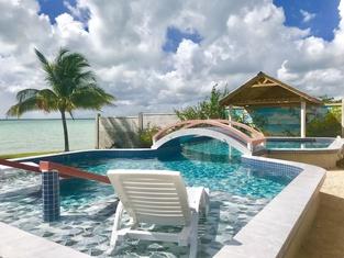 Tilt-Ta-Dock Resort Belize