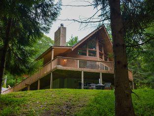 Bear Mountain Lodge 4 Bedroom House