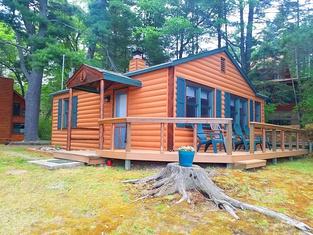 Knotty Pine Resort - Norway Cabin
