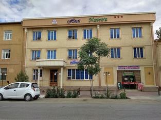 Navro'z Hotel