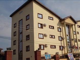 Twin Towers Hotel Nnewi