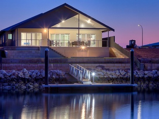 11 Kestrel Place - Private Jetty