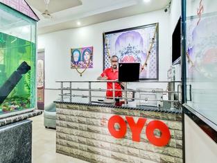 OYO 49230 Hotel Radha Lodging