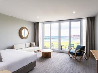 Abode Hotel Malua Bay