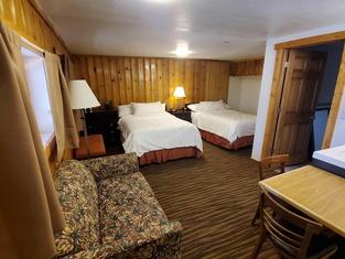 Teton Court Motel