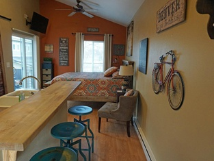 Industrial Old Town Bungalow With Free Cruiser Bikes