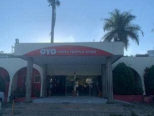 ホテル テオフィロ オトニ