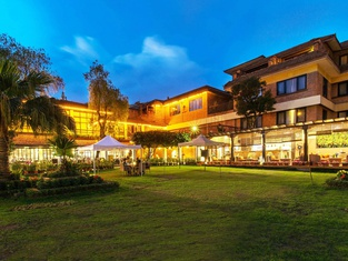 Shangri-la Boutique Hotel