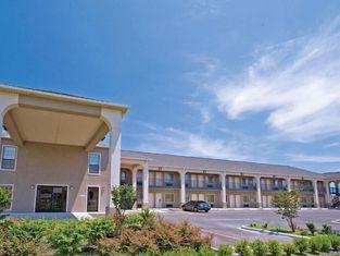 Homegate Inn & Suites West Memphis