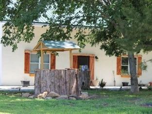 Hogans HayBale Cottage