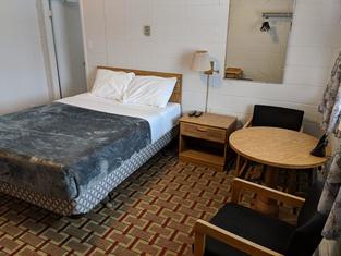 Chalet Inn Motel