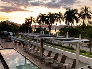 Ramada by Wyndham Acapulco Hotel & Suites