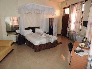 Lenny Hotel