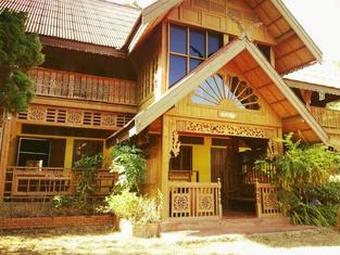 Crossroads House - Hostel