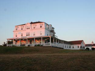Narragansett Inn