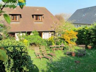 Holiday Home La Deauvillaise - DEA400