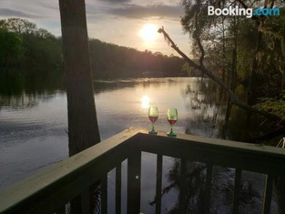 Margaritaville ON THE Suwannee River