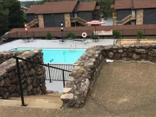 Hot Springs, AR. Lakefront :boat Slip