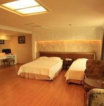 Palace Tourist Hotel