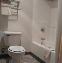 Urbana Inn & Suites