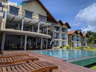 Chari Lake Hotel