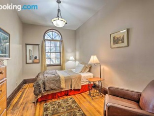 Cozy Yankton Apartment About Walk to Downtown!