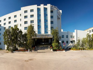 テジン ダルハン ホテル
