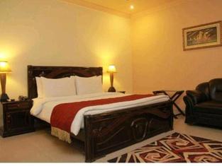 Hotel Paradise Plus