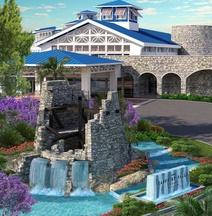 Universal's Loews Sapphire Falls Resort