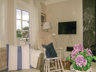 Two-Bedroom Holiday Home in Tustna