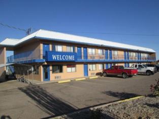 Motel 10