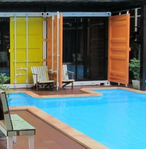 Retro Box Hotel Chumphon