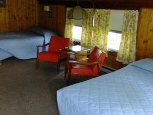 Marshfield Inn & Motel