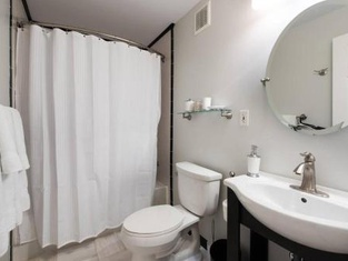 Superb Basement Close to the Gaylord MGM Outlets National Harbor