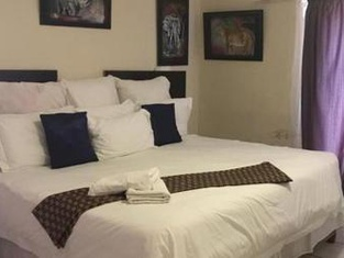 Six Liliez Bed and Breakfast