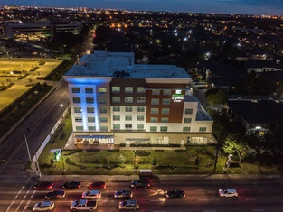 Holiday Inn Express and Suites Houston Westchase - Westheimer