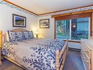 Horizons 4 111 - One Bedroom Condo